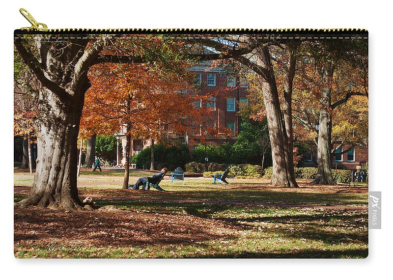 Art Carry-all Pouch featuring the photograph Catching Rays - Davidson College by Paulette B Wright