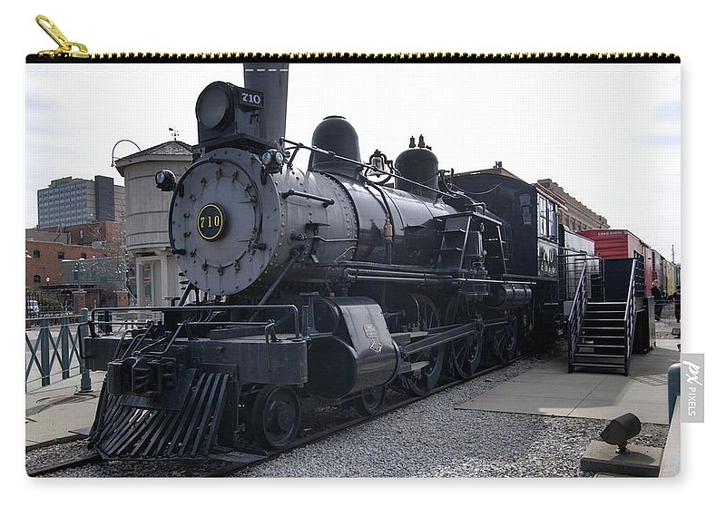 Steam Carry-all Pouch featuring the photograph Chicago Burlington Quincy Steam Locomotive 710 by Paul Cannon