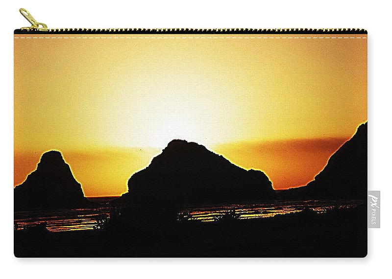 Ocean Carry-all Pouch featuring the digital art Coastal Sunset IIl by Kathy Sampson