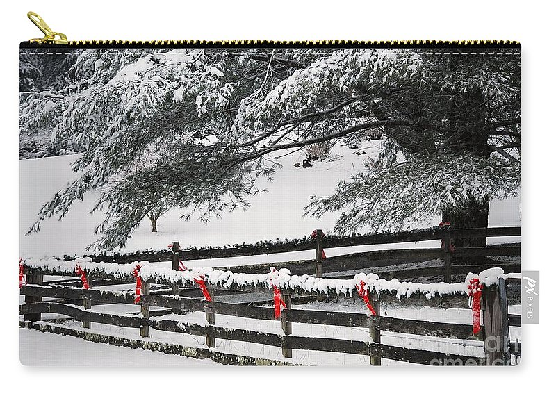 Virginia Carry-all Pouch featuring the photograph Country Christmas by Eric Liller