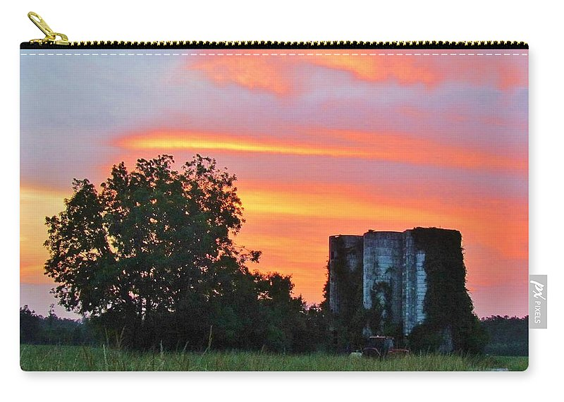 Sky Carry-all Pouch featuring the photograph Country Sky by Cynthia Guinn