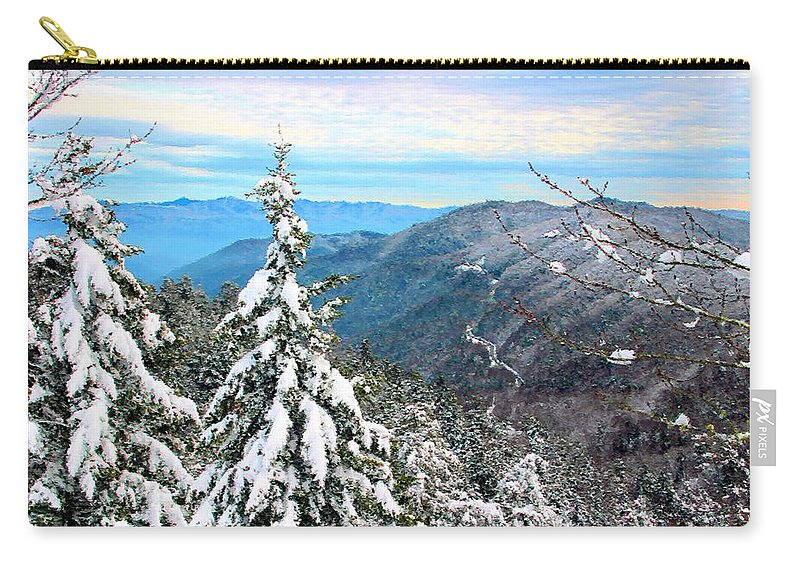 Cumberland Gap Carry-all Pouch featuring the photograph Cumberland Gap by Kristin Elmquist