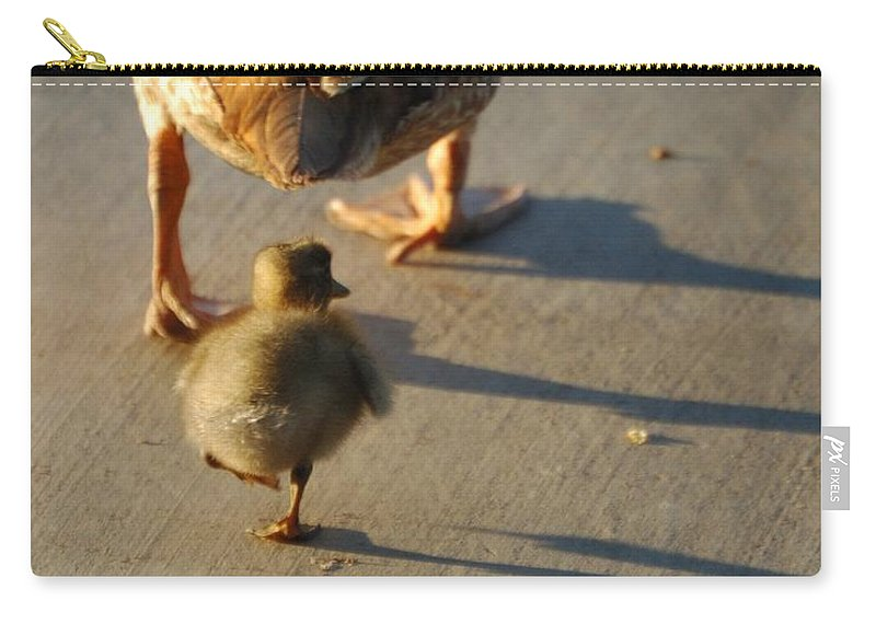 Feathers Carry-all Pouch featuring the photograph Do What I Do 27708 by Jerry Sodorff