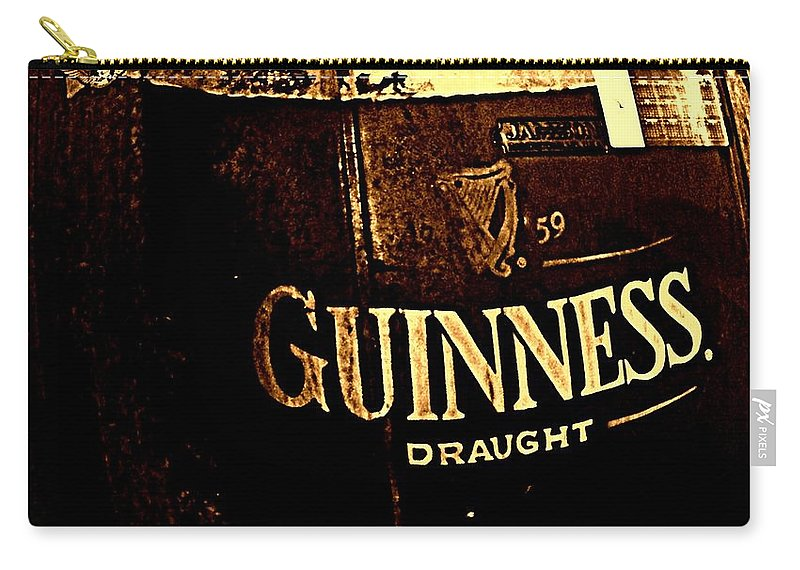 Beer Carry-all Pouch featuring the photograph Draught by Chris Berry