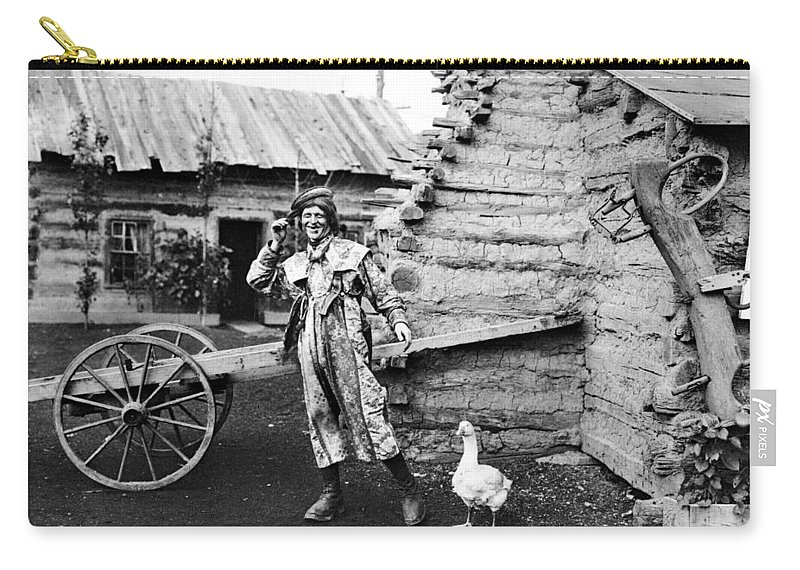 1901 Carry-all Pouch featuring the photograph Entertainer, 1901 by Granger
