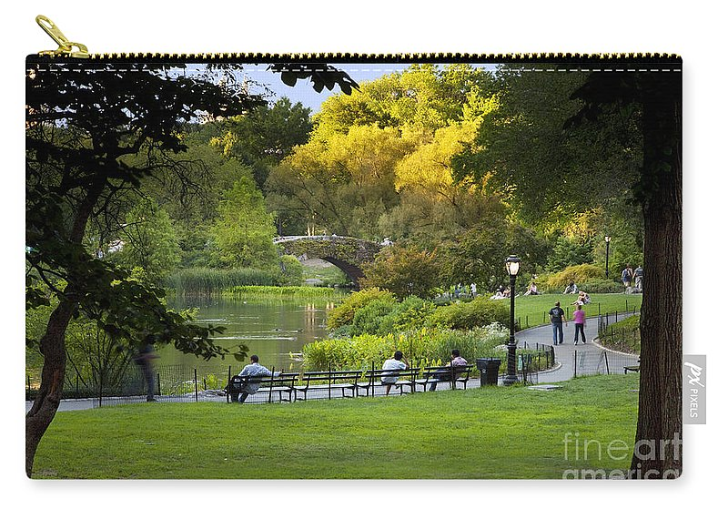Central Carry-all Pouch featuring the photograph Evening In Central Park by Brian Jannsen