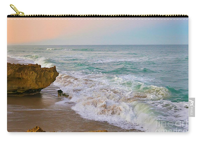 Hutchinson Island Carry-all Pouch featuring the photograph Falling In Love by Olga Hamilton