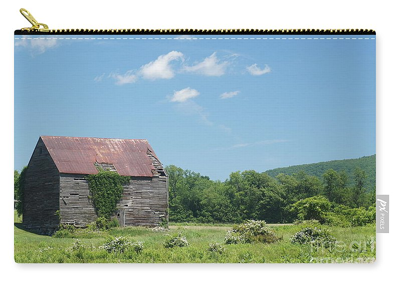 Barns Carry-all Pouch featuring the photograph Farm House by Jeffery L Bowers