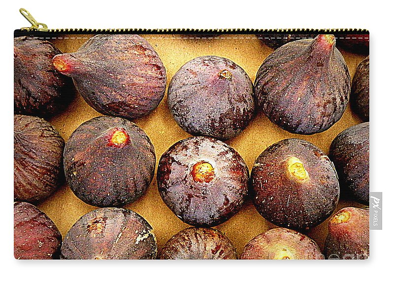 Figs Carry-all Pouch featuring the photograph Figs by Lainie Wrightson