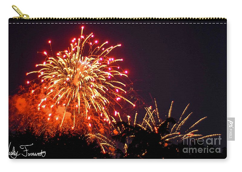 Washington Dc Carry-all Pouch featuring the photograph Fireworks 2014 4 by Wesley Farnsworth