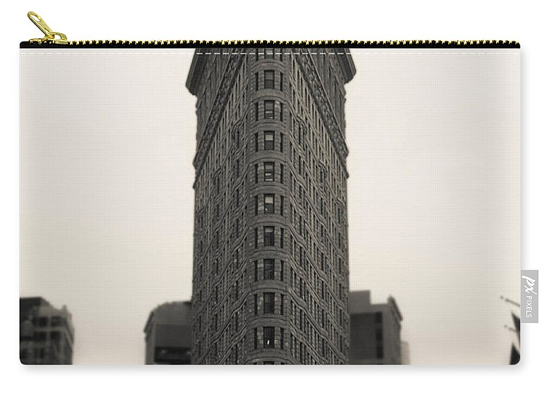 Flatiron Carry-all Pouch featuring the photograph Flatiron Building - Nyc by Nicklas Gustafsson