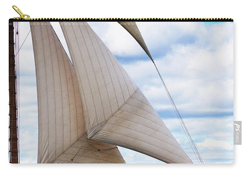 Virginia Carry-all Pouch featuring the photograph Full Throttle by Joe Geraci