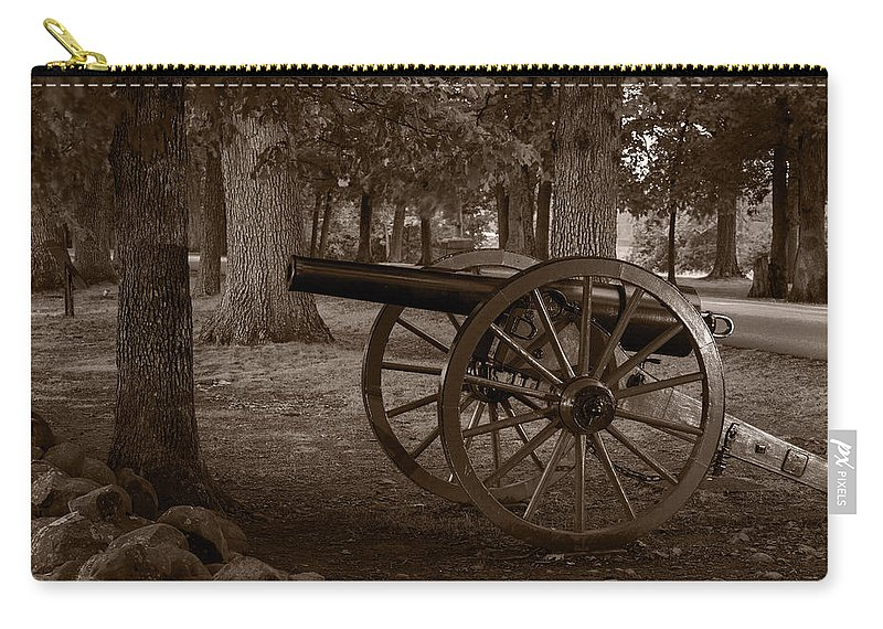 Gettysburg Carry-all Pouch featuring the photograph Gettysburg Cannon B W by Steve Gadomski