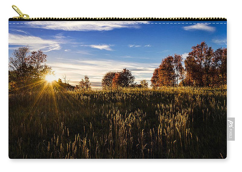 Nature Carry-all Pouch featuring the photograph Glisten by Chad Dutson