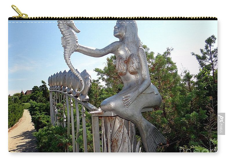 Mermaid Carry-all Pouch featuring the photograph Grand Entranceway by Ed Weidman