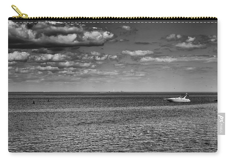 Boating Carry-all Pouch featuring the photograph Great Lakes Boating by Thomas Young