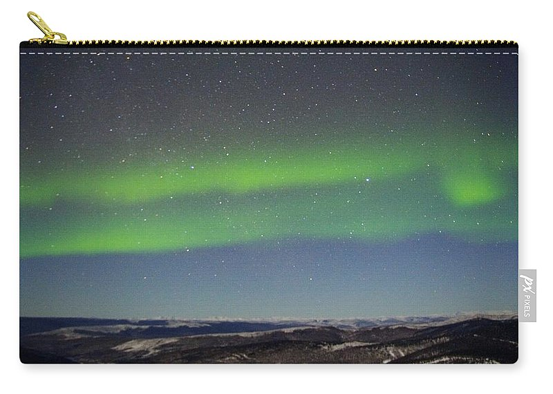 Alaska Aurora Borealis Carry-all Pouch featuring the photograph Green Lady Dancing 11 by Phyllis Spoor