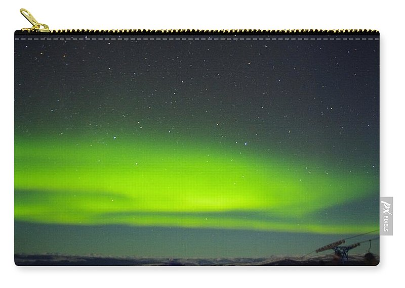 Alaska Aurora Borealis Carry-all Pouch featuring the photograph Green Lady Dancing 20 by Phyllis Spoor