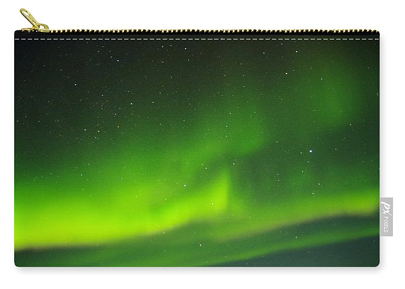 Alaska Aurora Borealis Carry-all Pouch featuring the photograph Green Lady Dancing 27 by Phyllis Spoor