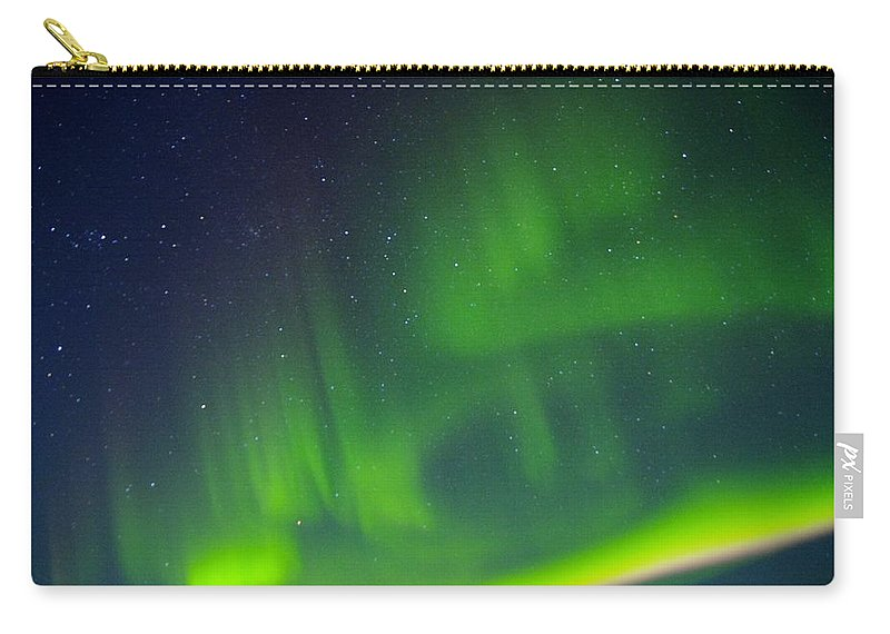 Alaska Aurora Borealis Carry-all Pouch featuring the photograph Green Lady Dancing 31 by Phyllis Spoor