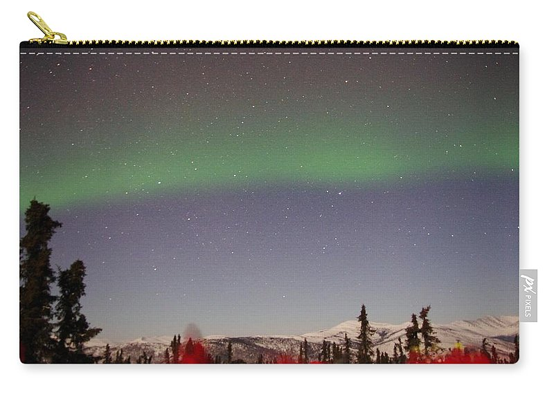 Alaska Aurora Borealis Carry-all Pouch featuring the photograph Green Lady Dancing 44 by Phyllis Spoor