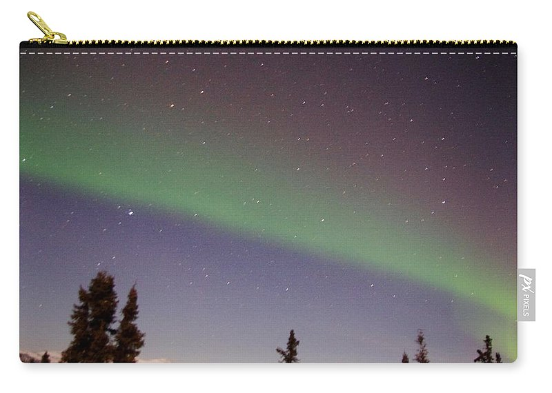 Alaska Aurora Borealis Carry-all Pouch featuring the photograph Green Lady Dancing 47 by Phyllis Spoor