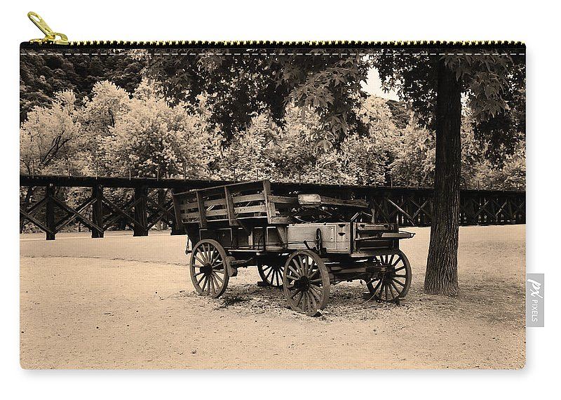 Harpers Carry-all Pouch featuring the photograph Harpers Ferry Wagon by Bill Cannon
