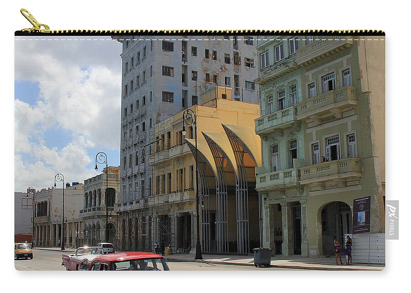 Havana Carry-all Pouch featuring the photograph Havana 14 by Andrew Fare