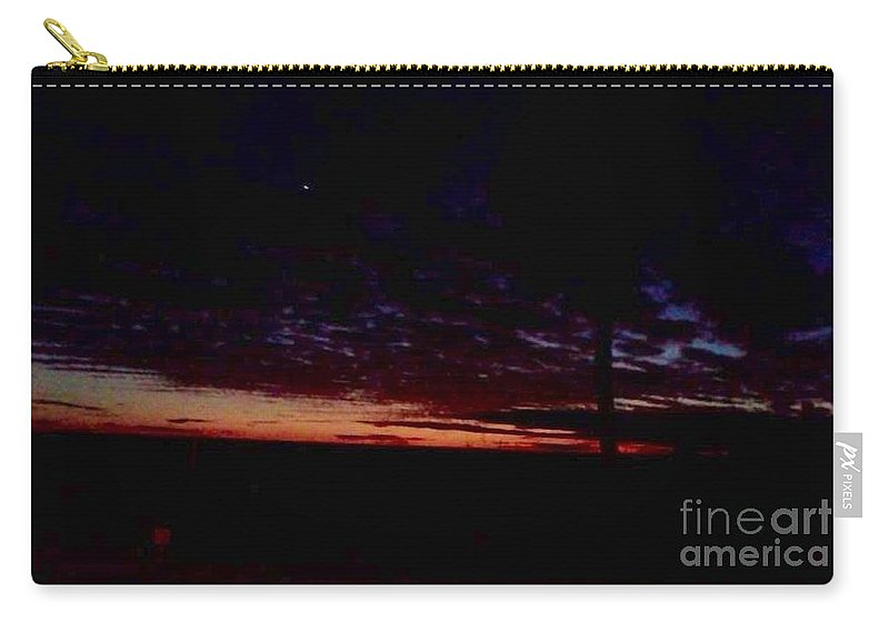 Paradise Carry-all Pouch featuring the photograph Hint Of Dawn by Melissa Darnell Glowacki