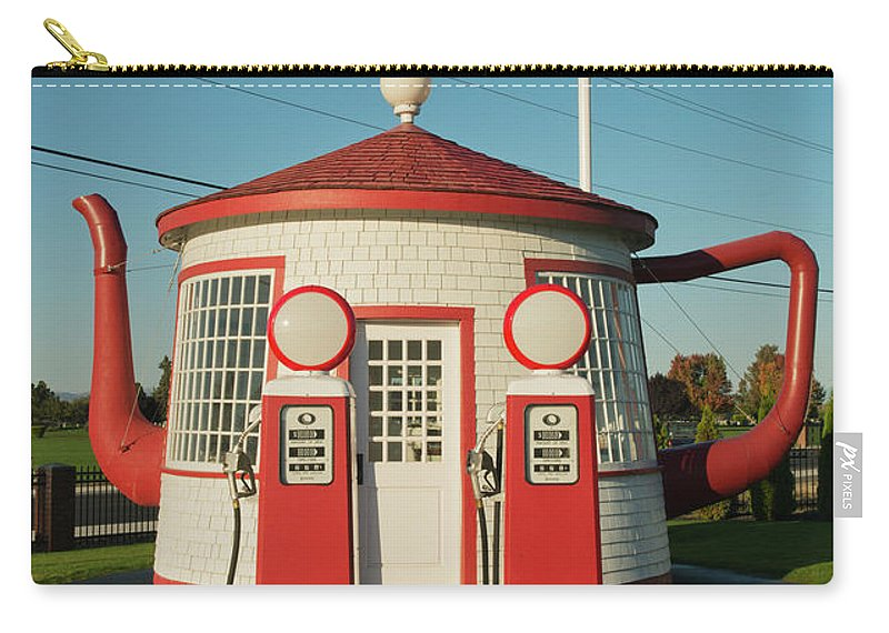 Outdoors Carry-all Pouch featuring the photograph Historic Teapot Gas Station by Kevin Schafer