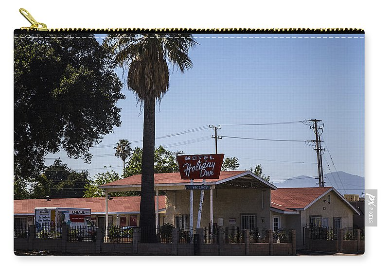 Route 66 Carry-all Pouch featuring the photograph Holiday Inn by Angus Hooper Iii