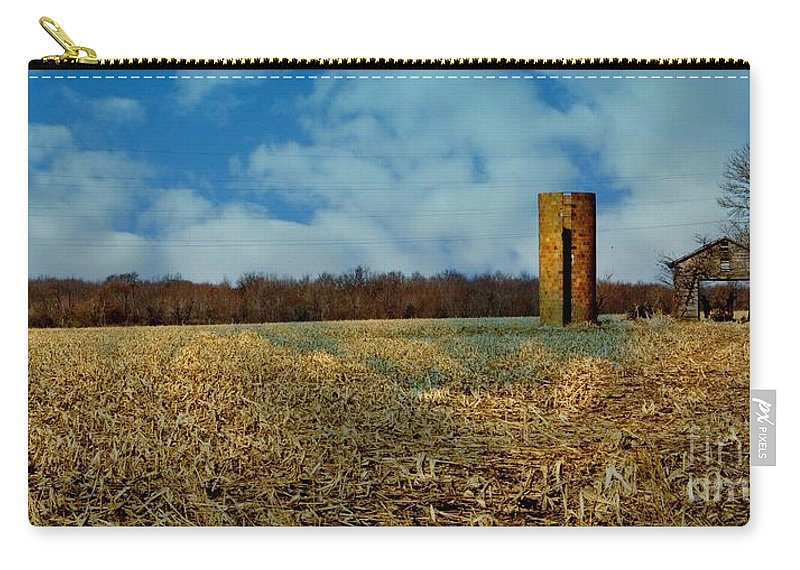 Hoosier Carry-all Pouch featuring the photograph Hoosier Farm by Gary Richards