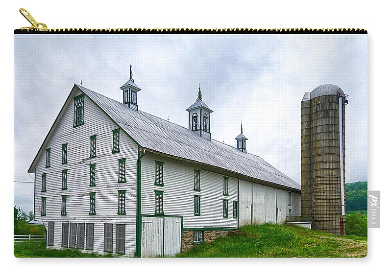 Adams County Carry-all Pouch featuring the photograph Hotel Bovine 2646c by Guy Whiteley