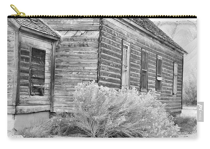 Canvas Prints Carry-all Pouch featuring the photograph If Walls Could Talk by Wendy Elliott
