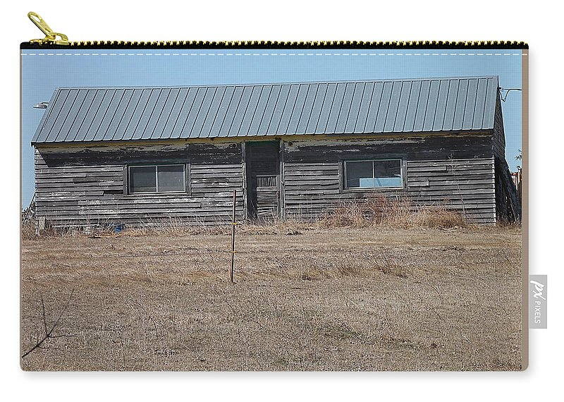 Architecture Carry-all Pouch featuring the photograph Issac Walton Clubhouse by Wayne Williams