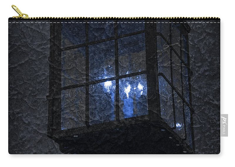 Lamp Post Carry-all Pouch featuring the photograph Lamp Post Blues by John Stephens