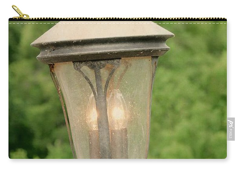 Lamp Post Carry-all Pouch featuring the photograph Lamp Post by Gary Richards