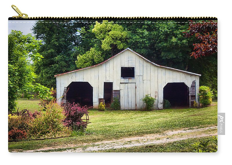 Barn Carry-all Pouch featuring the photograph Larsen Barn by Lynne Jenkins