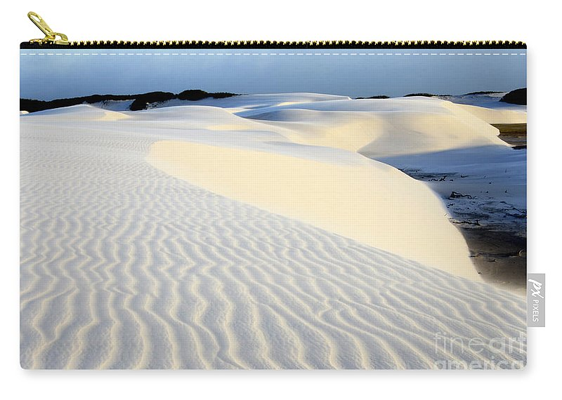 Lencois Maranhenses Carry-all Pouch featuring the photograph Leoncois Maranhenses Beauty Of Sand by Bob Christopher