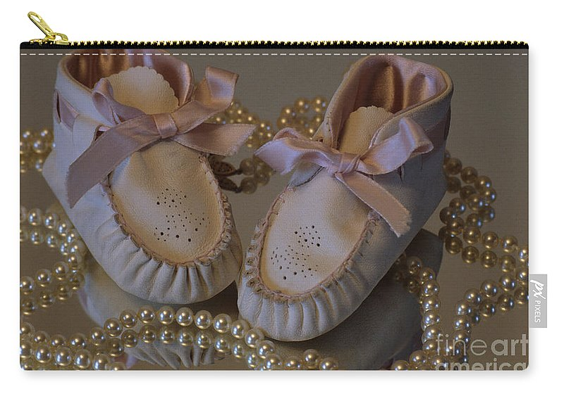 Little Girls Carry-all Pouch featuring the photograph Little Girls To Pearls by Sharon Elliott