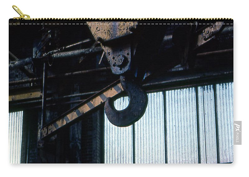 Hooks Carry-all Pouch featuring the photograph Locomotive Hook by Richard Rizzo