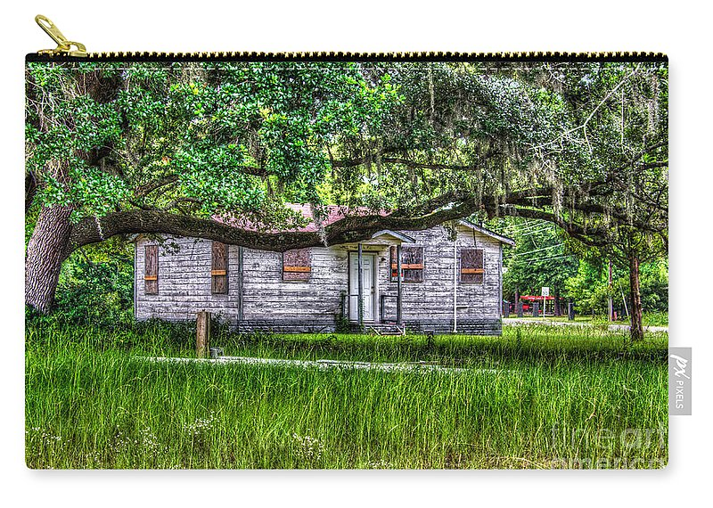 Shack Carry-all Pouch featuring the photograph Lowcountry Heritage by Dale Powell