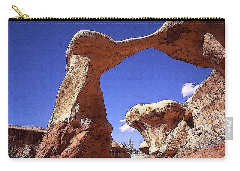 Metate Arch Carry-all Pouch featuring the photograph Metate Arch 2 by Rich Franco