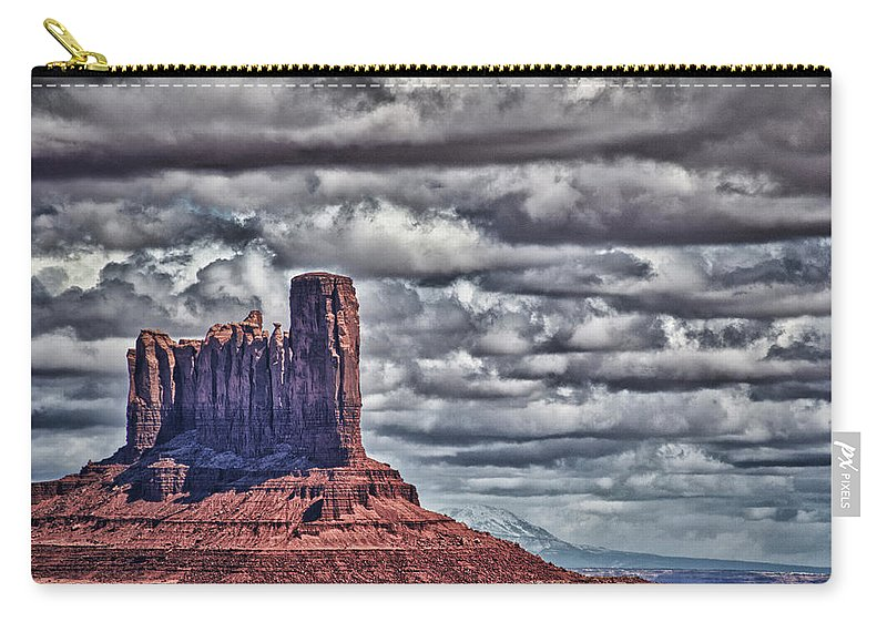 Monument Valley Utah Carry-all Pouch featuring the photograph Monument Valley Ut 6 by Ron White