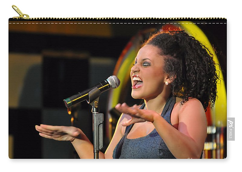 Moulin Rouge Theatre - What A Voice Carry-all Pouch featuring the photograph Moulin Rouge Theatre - What A Voice by Liane Wright