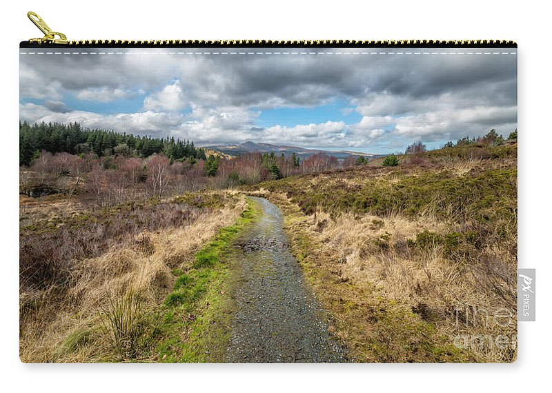Carneddau Carry-all Pouch featuring the photograph Mountain View by Adrian Evans