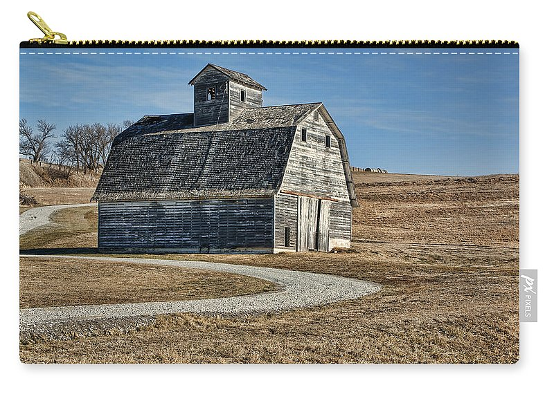 Old Barns Carry-all Pouch featuring the photograph Mrs. Green's Barn by Nikolyn McDonald