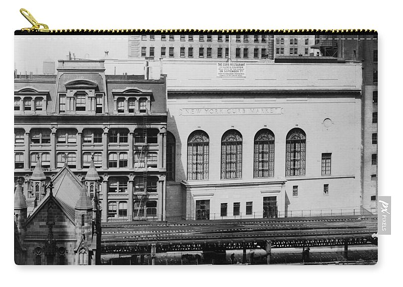 1921 Carry-all Pouch featuring the photograph New York Curb Market, 1921 by Granger