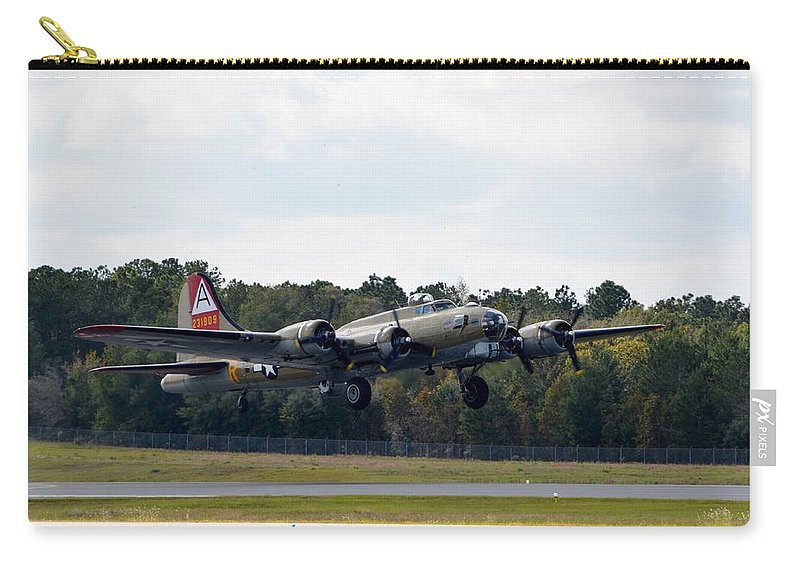Boeing B-17 Flying Fortress Carry-all Pouch featuring the photograph Nine-o-nine by Matt Abrams