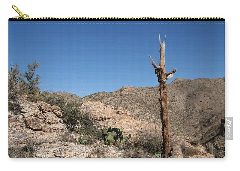 Arizona Carry-all Pouch featuring the photograph Not Giving Up Yet by David S Reynolds